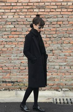 I heart to wear black #black #fashion