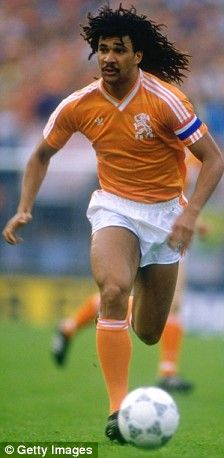 Ruud Gullit - in Oranje Football Awards, Football Drills, Football Icon, Retro Football, World Football, Soccer World, Football Stadiums, Sport Football, Good Soccer Players