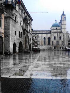 Piazza del Popolo, Ascoli, Italy 2013
