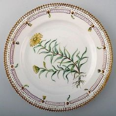 Exquisite-Royal-Copenhagen-Flora-Danica-luncheon-plate-Only-499-COLLECTION