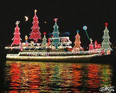 2009 Newport Beach Christmas Boat Parade 4 - Explored by Marcie Gonzalez, via… Tropical Christmas, Beach Christmas, Coastal Christmas, Christmas In July, Outdoor Christmas, Beautiful Christmas, Merry Christmas, Christmas Spectacular, Christmas Mood