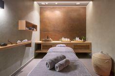 Massage Room Decor, Massage Therapy Rooms, Spa Room Decor, Home Spa Room, Spa Rooms, Spa Bedroom, Spa Interior Design, Spa Design, Design Ideas