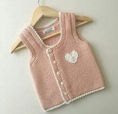 Haraşo Olarak Örülen Yandan Düğmeli Kalp Süslemeli Kolay Çocuk Yeleği Yapımı. 2 .3 yaş » By hatice3