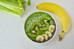 Green Smoothie with kiwi, banana celery and spinach Kiwi Smoothie, Celery, Spinach, Sweet Tooth, Banana, Ethnic Recipes, Green, Food, Essen