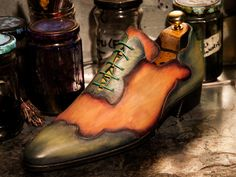 Bespoke patina for Serge... will be worn with a creme colored suit....