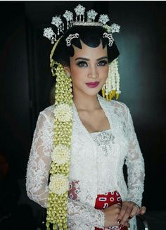 All White Wedding, Wedding Looks, Dream Wedding, Javanese Wedding, Indonesian Wedding, Vera Kebaya, Wedding Styles, Wedding Photos, Akad Nikah