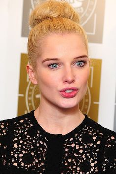 26 Celebrities Who Prove Too Much Makeup Can Change Your Face Pin Up Hair, Hair Pins, Helen Flanagan, Too Much Makeup, You Changed, Celebrity News, Beauty Makeup, Fashion Beauty, Actresses