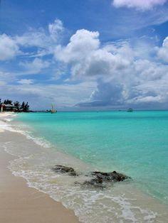 Travel to Bahamas - Columbus isle