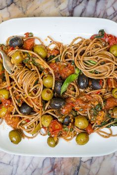 Spaghetti alla puttanesca This fantastic puttanesca recipe from Nina Parker is a bold and beautiful dish, packed with flavour from olives, tomatoes and anchovies. Italian Chef, Italian Dishes, Italian Recipes, Croatian Recipes, Italian Foods, Spaghetti Alla Puttanesca Recipe, Pasta Puttanesca, Anchovy Recipes, Vegetarian Recipes
