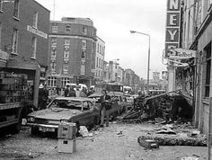 The damage on Dublin's Talbot St., caused by the second of the four bombs set off during the Dublin and Monaghan bombings. Northern Ireland Troubles, Belfast Northern Ireland, Dublin Ireland, Ireland 1916, Irish Republican Army, Dublin City, British Soldier, Republic Of Ireland, Old Photos