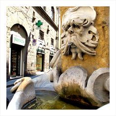 I think I remember just where this fountain is, wish I could go back to Florence to see if I am right.