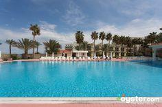 www.oscarresort.com info@oscarresort.com The Large Swimming Pool at the Oscar Resort Hotel