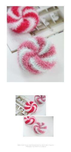 [무료도안/수세미도안] 바람개비 수세미 www.knitt.co.kr Cute Little Things, Decoration, Diy And Crafts, Crochet Earrings, Crochet Patterns, Bubbles, Knitting, Accessories, Jewelry