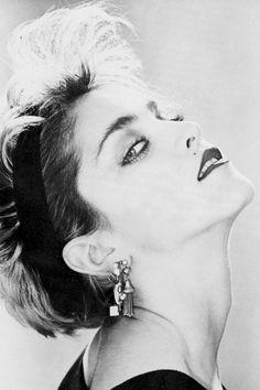 Madonna photographed by David Cunningham, 1983 Madonna Looks, Lady Madonna, Madonna 80s, Madonna Albums, Madonna Photos, Best Female Artists, Female Singers, Divas Pop, 80s Trends