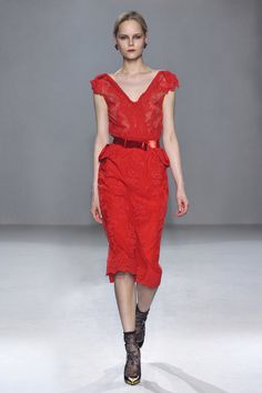 French Fitted V Neck Lace Dress Autumn Winter 2012 - Collette DinniganCollette Dinnigan