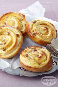 Puddingschnecken: Ein Hefegebäck mit Pudding und Rosinen