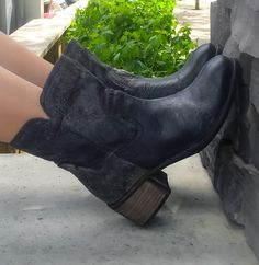 Arnold Churgin Tarrin #boots #styleblogger #fashioncanada #ankleboots Hair And Nails, Ankle Boots, Footwear, Booty, My Style, Beautiful, Clothes, Shoes, Fashion