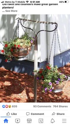 vintage garden decor Easy DIY gardening ideas - repurposed rake turned into a hanging flower basket holder for your flower garden or backyard Garden Junk, Garden Yard Ideas, Lawn And Garden, Garden Art, Garden Tools, Garden Design, Garden Decorations, Diy Yard Decor, Diy Garden Ideas On A Budget