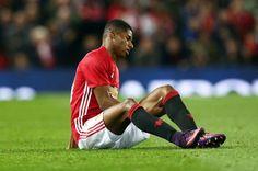 Mourinho đứng ngồi không yên chờ tin Rashford