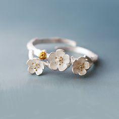 Plata esterlina anillo de flores de ciruela, Plum Blossom anillo, anillo de flores de plata, anillos, joyas anillos de plata, ciruela, flor de la joyería, regalo para ella de SilverUniqueJewelry en Etsy https://www.etsy.com/es/listing/273714756/plata-esterlina-anillo-de-flores-de