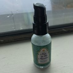 Earthwise Beauty Facial Serum and Moisturizer Review