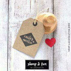 ¿Quieres un sello personalizado para tu boda? Con nuestros sellos podrás estampar sobre cualquier superficie para que todos los detalles de tu boda sean diferentes y especiales.