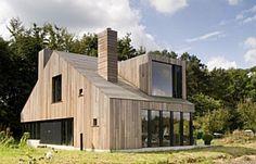 Планкен - красивый деревянный фасад загородного дома