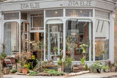Zita Elze flower shop in Kew, 2016 photo: Julian Winslow 0775_wm
