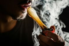 How to inhale cannabis properly