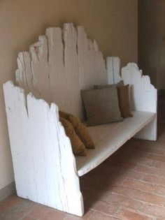 This would be sooo easy to make with the barn wood we have.