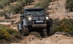 Mercedes-Benz G500 4x4² - Photo Gallery of Prototype Drive from Car and Driver - Car Images - Car and Driver