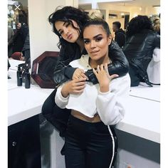 Becky G with her friend Becky G Hair, Beautiful People, Beautiful Women, Latin Music, Female Singers, Woman Crush, Poses, Millie Bobby Brown, My Idol