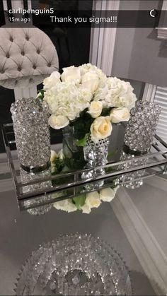 Tabletop Decor: Homsense Vases + Mirror Tray, on Home Decor Ideas 9781 Table Decor Living Room, Glam Living Room, Glamour Décor, Hollywood Glamour, Mirror Tray, Mirrored Tray Decor, Silver Tray Decor, First Apartment Decorating, Elegant Home Decor