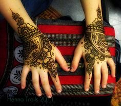Mehndi Designs Images of Arabic Bridal & Henna Style - Mehndi Designs Mehndi Tattoo, Henna Tattoo Designs, Henna Mehndi, Henna Tattoos, Mehendi, Henna Body Art, Henna Art, Henna Designs Easy, Mehndi Designs