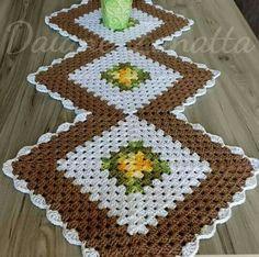 Diy Crafts - -New crochet doilies placemat rugs Ideas crochet Crochet Table Runner Pattern, Crochet Placemats, Crochet Quilt, Crochet Motif, Crochet Doilies, Crochet Flowers, Crochet Square Patterns, Crotchet Patterns, Crochet Squares