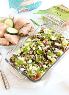 7 Layer Dip gets a healthier Greek makeover with this delicious Greek 7 Layer Dip. It's perfect for dipping pitas! Appetizer Dips, Appetizer Recipes, Layer Dip, 7 Layers, Food Combining, Weird Food, Healthy Salads, Serving Dishes, Greek