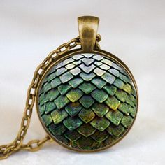 New steampunk game of thrones naga egg pendant kalung dr doctor who 1 pcs/lot rantai mens mainan vintage 2017 charming kalung Game Of Thrones Necklace, Game Of Thrones Jewelry, Game Of Thrones Dragons, Game Of Thrones Fans, Doctor Who, Steampunk, The Mother Of Dragons, Game Of Thrones Merchandise, Pendant Jewelry