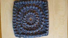 Haakpatroon Circle of friends Archieven - Laura Haakt Baby Knitting Patterns, Crochet Blanket Patterns, Crochet Stitches, Granny Square Crochet Pattern, Crochet Squares, Crochet Granny, Crochet Baby Toys, Diy Crochet, Alpaca Poncho
