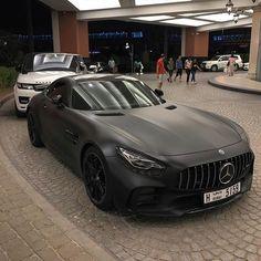 Badass Matt Black Mercedes AMG GT High-end luxury sport cars Luxury Sports Cars, Best Luxury Cars, Sport Cars, Kombi Home, Lux Cars, Mc Laren, Mercedes Benz Cars, Mercedes Sport, Expensive Cars
