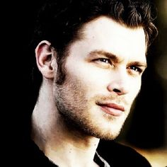 klaus, joseph morgan, and tvd resmi Vampire Diaries Makeup, Vampire Diaries Quotes, Joseph Morgan, Witch Names, Klaus The Originals, The O'jays, Damon And Stefan, Viking Warrior, Daniel Gillies