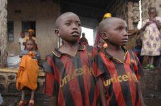 UNICEF Barcelona Futbol Club, Barcelona Football, Fc Barcelona, Red Lobster Biscuits, Football Jerseys, Soccer Teams, London Metropolitan, No Equipment Workout, Fitness Equipment