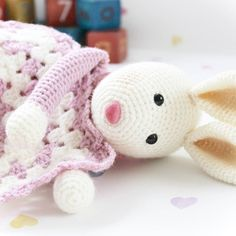 Waking up to some spring sunshine. #crochetpattern #crochet #crochetlove #crochetersofinstagram #bunnylove #rabbit #babygift #babygirl #instacrochet by fuzzpotlanedesigns