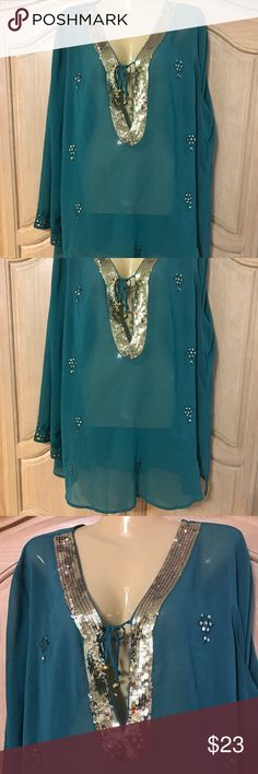 Designer only Nine elegant blouse Elegant blouse with long sleeves and v neckline with small sequins size 22/24 only nine Tops Blouses