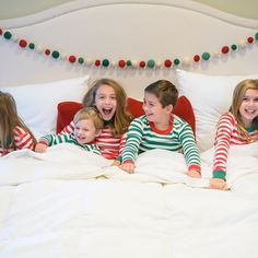 The holidays are stressful enough, let alone worrying about a holiday photo session. The outfits, location, and weather can cause any mom to want to bring a bottle of wine to the photo session. This year what about keeping it simple and fun? Throw the kids in their holidays pjs, like @happyhannas , and let them be themselves. A lifestyle holiday session in your bed, in front of the fireplace, or by your tree. I have done a few pjs holiday session in the past and they always turn out so darn…