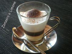 il Cortado è la versione analcolica del Barraquito il tipico caffè delle Canarie. E' fatto utilizzando 2 tipi di latte: quello condensato e quello fresco.