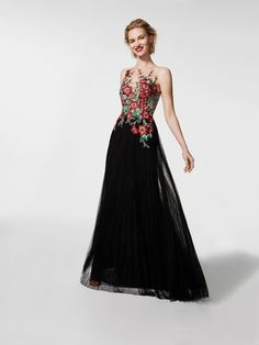 Grivan Tulle Dress soft pleated tulle, thread embroidery, gemstones and crystal tulle - Pronovias Designer Evening Dresses, Black Evening Dresses, Elegant Dresses, Evening Gowns, Pronovias, A Line Cocktail Dress, Bridesmaid Dresses, Prom Dresses, Tulle Gown