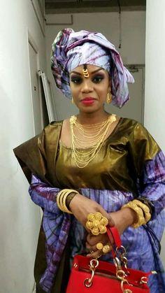 Malian fashion bazin #Malifashion #bazin #malianwomenarebeautiful… Ghanaian Fashion, African Fashion, African Beauty, African Women, Latest African Styles, African Traditions, African Textiles, African Dress, Traditional Outfits