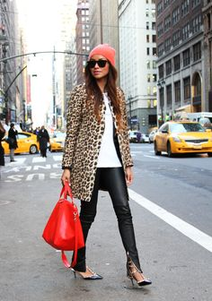 Leopard coat can be easily be stylish - keep the rest simple