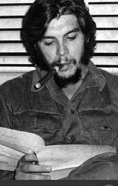 As fotos fascinantes de Che Guevara feitas por Elliott Erwitt em 1964 Che Guevara T Shirt, Che Guevara Quotes, Che Guevara Images, Marc Riboud, Steve Mccurry, Martin Parr, Magnum Photos, Che Quevara, Pablo Emilio Escobar