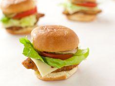 Poppin' Pork Chop Sandwiches Pork Chop Sandwiches, Wrap Sandwiches, Pork Sandwich, Sandwich Board, Vegan Sandwiches, Sandwich Recipes, Pork Recipes, Sandwich Ideas, Hamburgers